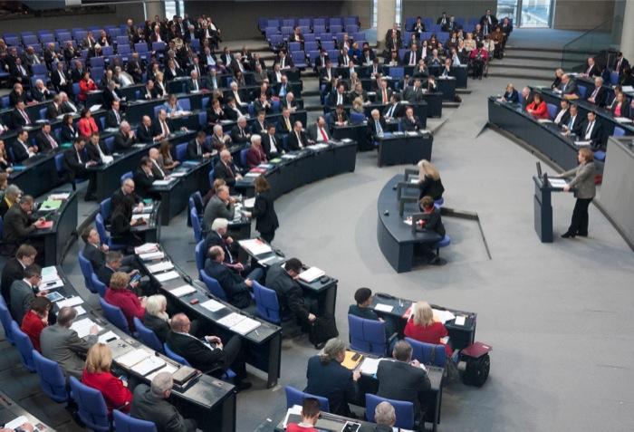 Γερμανία: Ξεκινούν οι διερευνητικές επαφές Χριστιανοδημοκρατών-Σοσιαλδημοκρατών