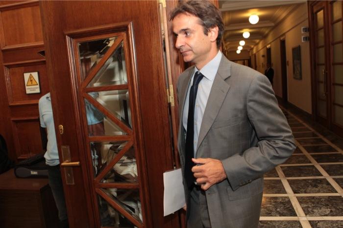 Κ. Μητσοτάκης: «Ανοιχτή η πόρτα εξόδου, για όσους φλερτάρουν με τη Χρυσή Αυγή»