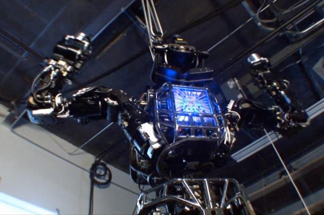 Άτλας, το ρομπότ που δεν πέφτει