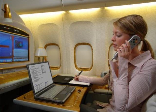 Επιτρέπεται το ίντερνετ κατά τη διάρκεια της πτήσης