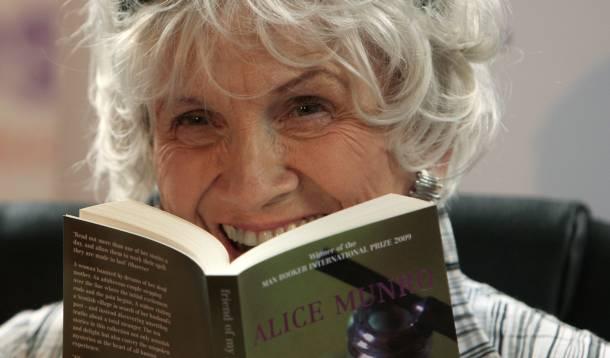 Η Καναδή διηγηματογράφος που ξύπνησε με ένα νόμπελ στα χέρια