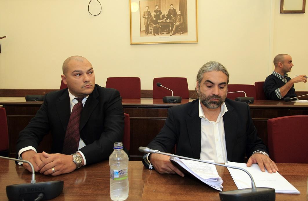 Άρση της ασυλίας τριών βουλευτών της Χ.Α. εισηγείται η Επιτροπή Δεοντολογίας