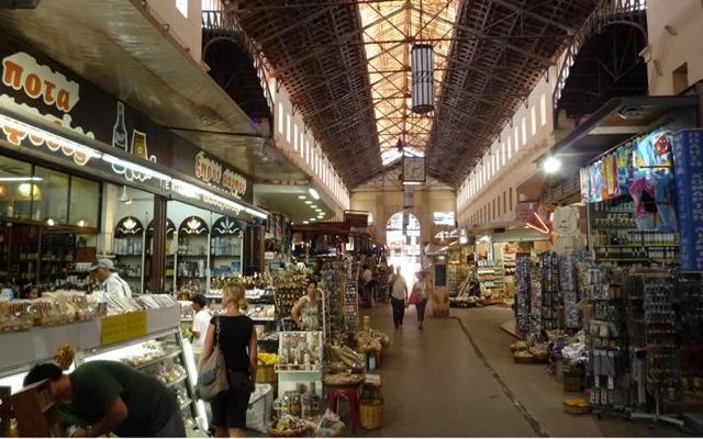 Οι Πολωνοί «βγήκαν για ψώνια» στην Κρήτη