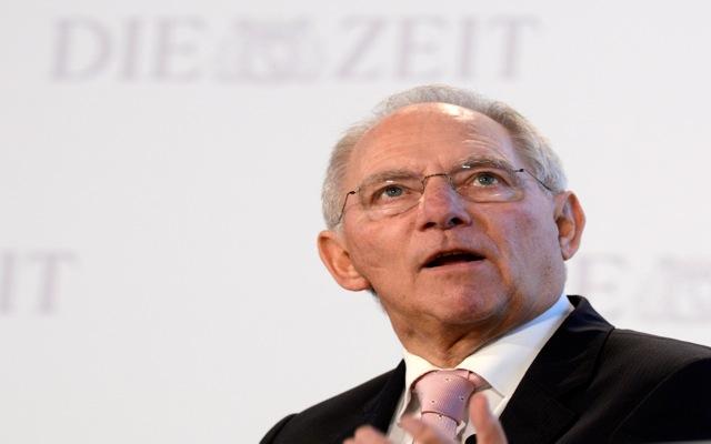 Die Zeit: «Νέο, πιο ευνοϊκό πακέτο βοήθειας» για την Ελλάδα