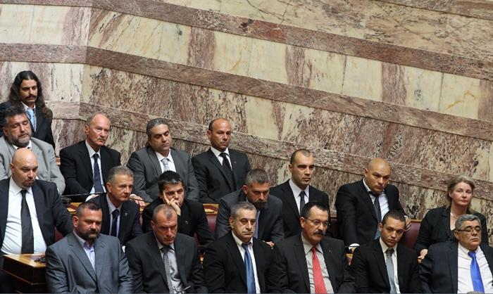 Η βουλή αποφασίζει για την άρση ασυλίας έξι βουλευτών της Χ.Α.