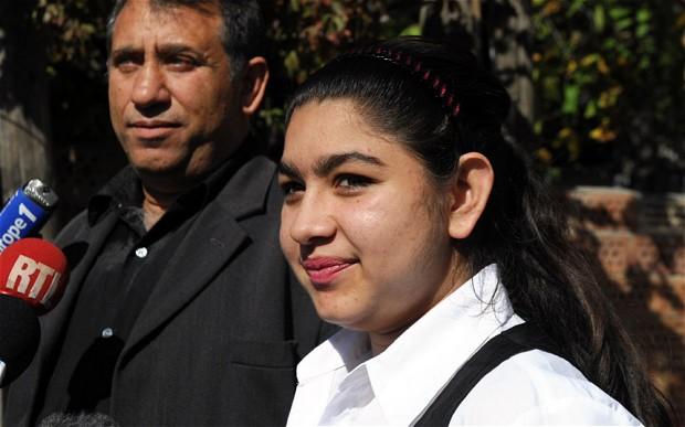 Η 15χρονη Ρομά που «στριμώχνει» ακόμα περισσότερο τον Ολάντ