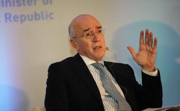 «ΔΝΤ και ΕΚΤ παίζουν το παιχνίδι του καλού και του κακού»
