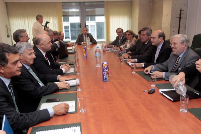 Συνάντηση Χατζηδάκη με την Ένωση Ελληνικών Τραπεζών