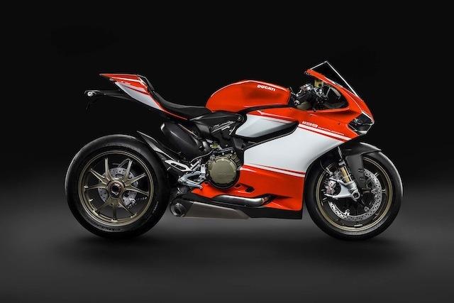 Τα αποκαλυπτήρια της νέας πανάλαφρης Ducati (video)