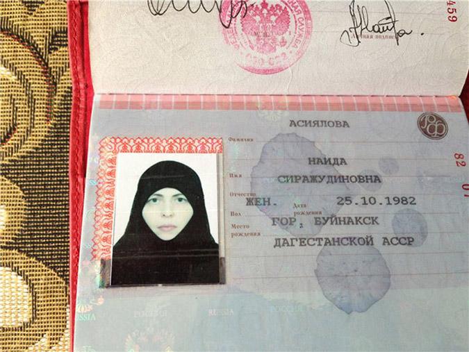 H νεαρή γυναίκα καμικάζι, οι μειονότητες και ο Πούτιν