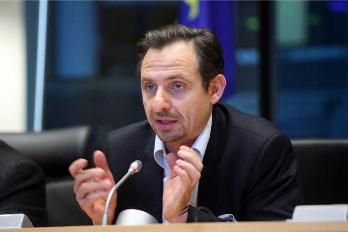 Πολιτική «επιστροφή» Χατζημαρκάκη στην Ελλάδα για τις ευρωεκλογές