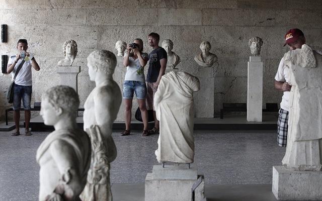 Αυξημένα τα έσοδα από τον τουρισμό