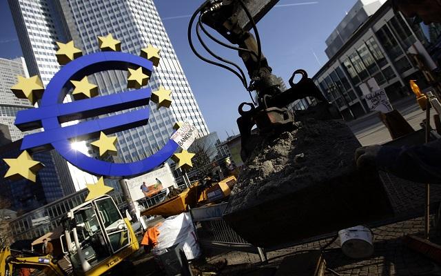 Όργιο σπατάλης με τη «βούλα» της ΕΚΤ
