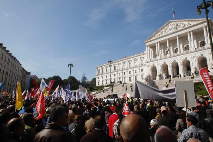 Στους δρόμους σήμερα οι Πορτογάλοι
