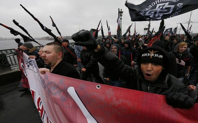 Στους ρυθμούς των εθνικιστών η Ρωσία