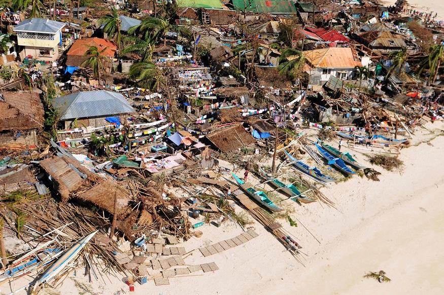 O τυφώνας που ισοπέδωσε τις Φιλιππίνες έφτασε σε Κίνα και Βιετνάμ