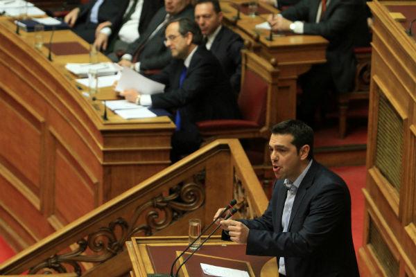 Τσίπρας: «Να ελεγχθούν τα κόκκινα δάνεια σε ΜΜΕ και επιχειρηματίες»