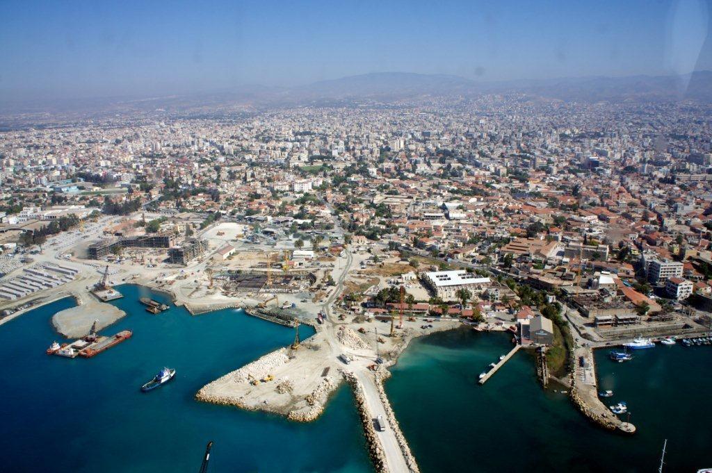 Η Κύπρος απαντά με τουρισμό στην τραπεζική κρίση