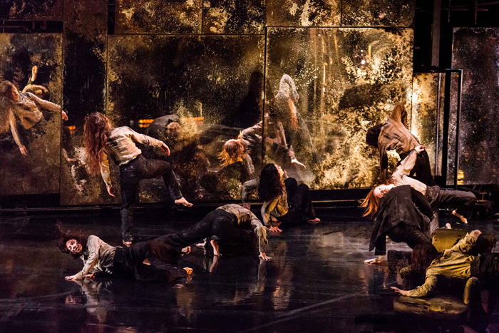Tabac Rouge: ένα «χορόδραμα» στην Στέγη