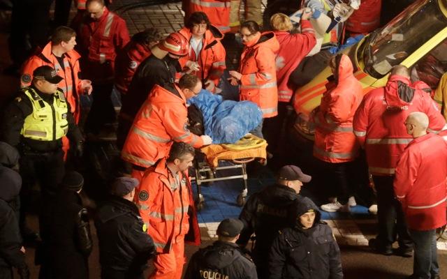 33 νεκροί από πτώση οροφής σε σούπερ μάρκετ στη Λετονία