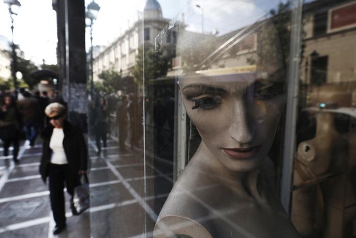 Τη σοβαρή κάμψη των ελληνικών ΜμΕ αναγνωρίζει η Ε.Ε.