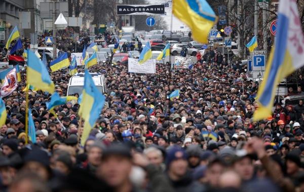Κριτική Μεντβέντεφ για την «ανάμειξη» της Δύσης στην Ουκρανία