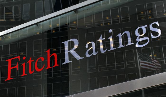Fitch: Οι ελληνικές τράπεζες μπορούν να καλύψουν τα χρηματοδοτικά κενά