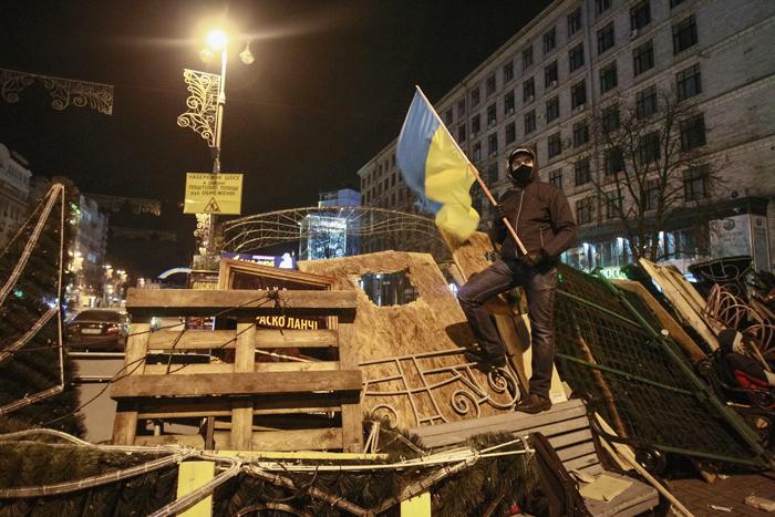 Προσπάθεια από τον Ουκρανό πρόεδρο να κατευναστούν τα πνεύματα