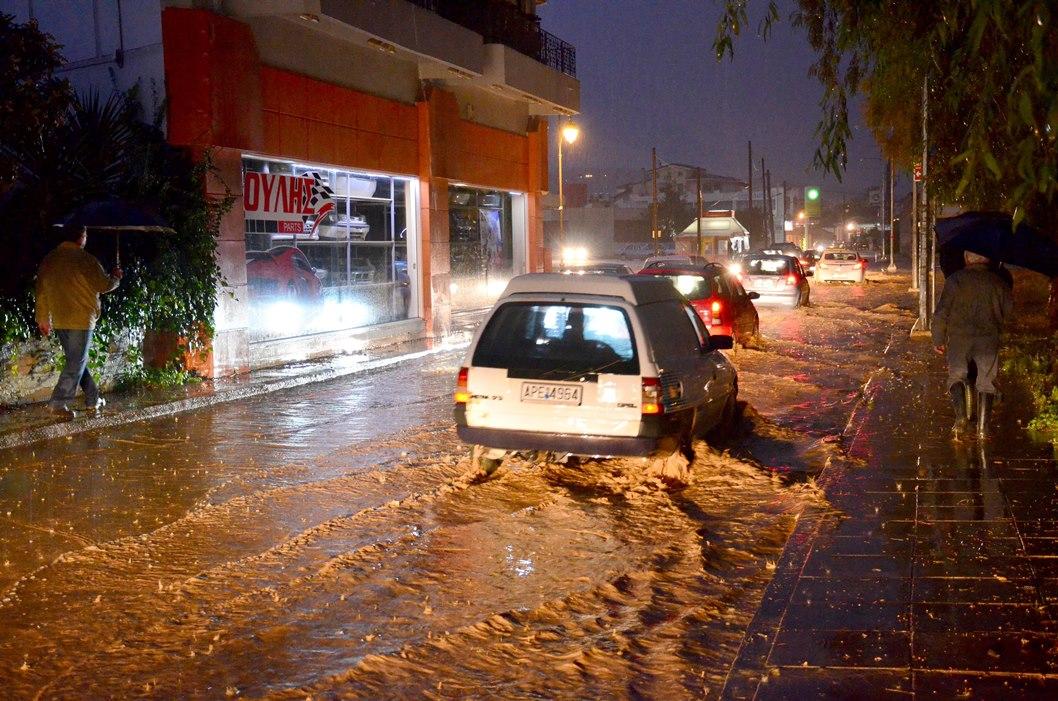 Μια γυναίκα νεκρή από τις πλημμύρες στο Άργος