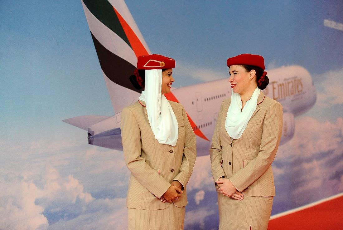 Η Emirates προσλαμβάνει 3.800 αεροσυνοδούς