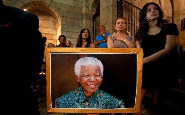 «Κοσμοσυρροή» στη Νότια Αφρική για την κηδεία του Νέλσον Μαντέλα