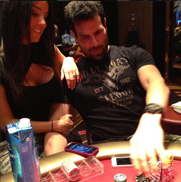 Από «playboy του Instagram», «τζέντελμαν του πόκερ»