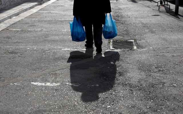 Επιδείνωση της φτώχειας στην Ελλάδα και το 2013