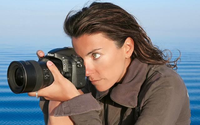 Με μια φωτογραφική στο χέρι