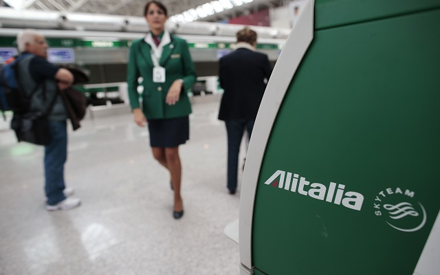 Περικοπές στα έξοδα, αλλά όχι απολύσεις στην Alitalia