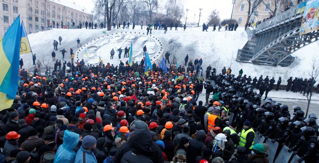 Έκκληση για ηρεμία στην Ουκρανία από όλες τις πλευρές