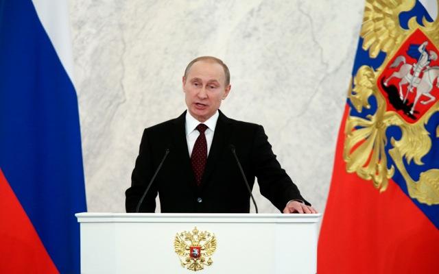 «Δεν επιβάλλουμε τίποτε σε κανέναν» δηλώνει ο Πούτιν
