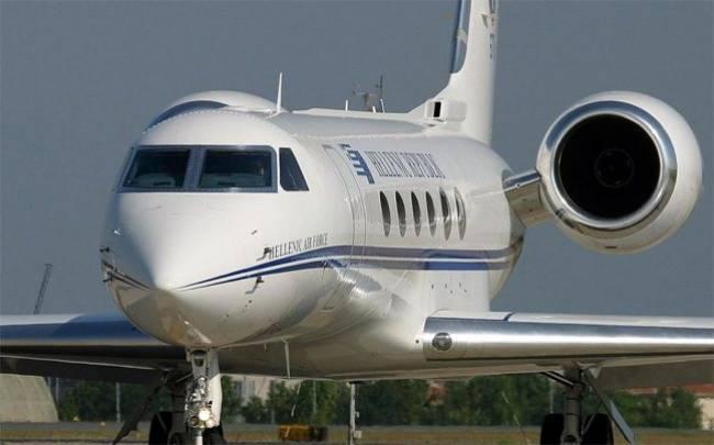 Eπιστροφή του πρωθυπουργικού αεροσκάφους λόγω βλάβης (upd)