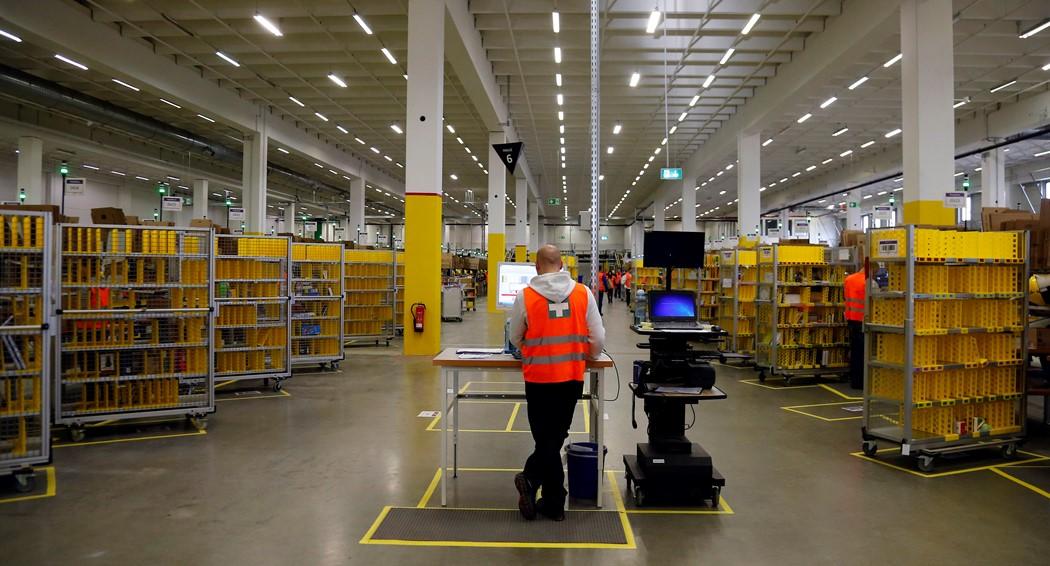 «Παγώνει» η Amazon στην Γερμανία