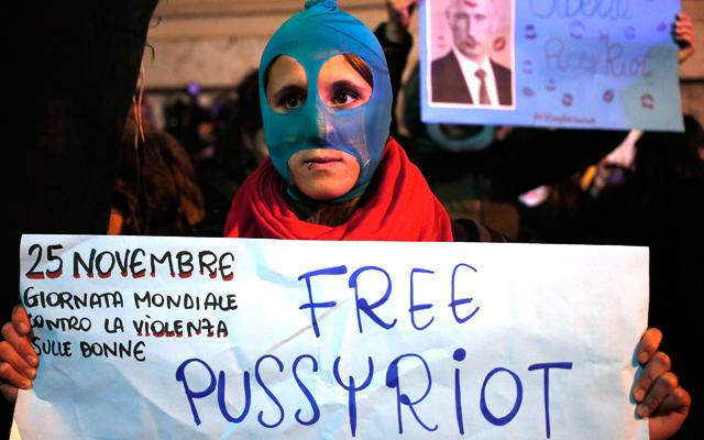 Ρωσία: Ανοίγει ο δρόμος της αμνηστίας σε Pussy Riot και ακτιβιστές