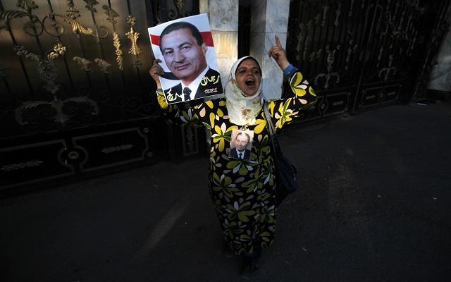 Αθωώνεται το «καθεστώς» Μουμπάρακ στην Αίγυπτο