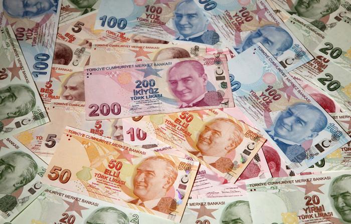 Σε ιστορικό χαμηλό η τουρκική λίρα