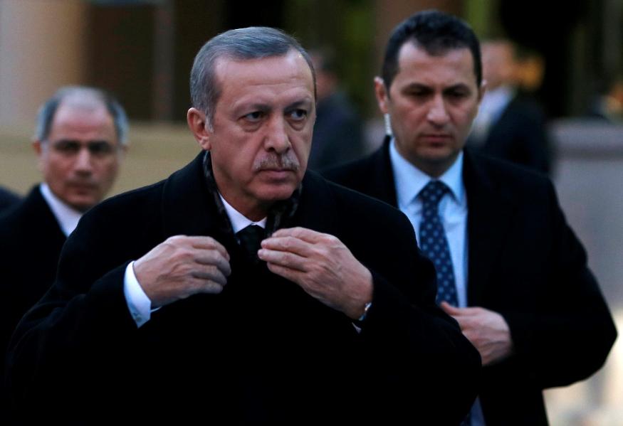 Ερντογάν : «Θα σπάσουμε τα χέρια σε όποιον τολμήσει να μας κάνει κακό»