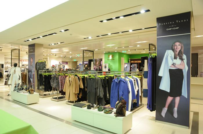 Στη Notos Com τα brands Shiseido και Dolce & Gabbana