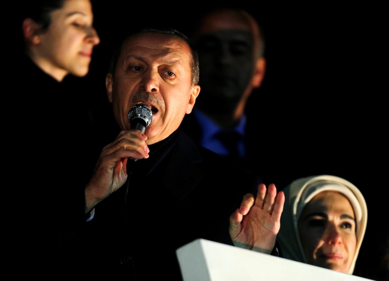 Σειρά παραιτήσεων υπουργών κλυδωνίζει την κυβέρνηση Ερντογάν