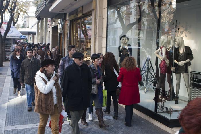 ΥΠΑΝ: Το 2014 το θέμα ανοιχτών καταστημάτων τις Κυριακές των εορτών