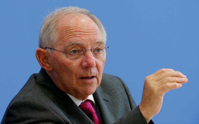 Σόιμπλε: «Ίσως χρειαστεί να βοηθήσουμε πάλι την Ελλάδα»