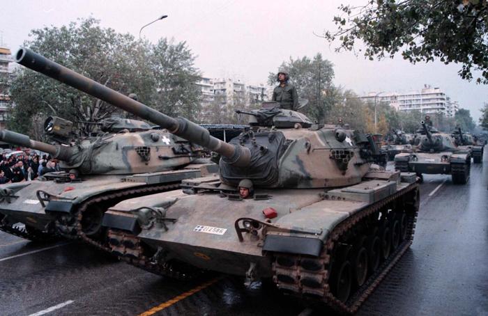«Αρχηγοί Σωμάτων του στρατού εμπλέκονται στις εξοπλιστικές μίζες»