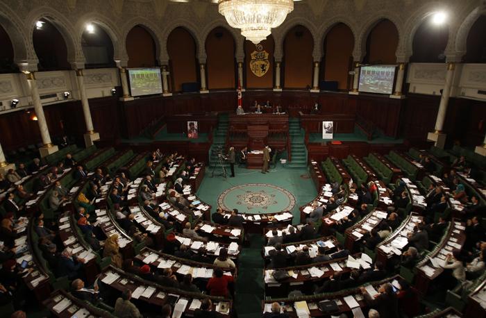 Εγκρίθηκαν τα πρώτα άρθρα του κοσμικού Συντάγματος της Τυνησίας