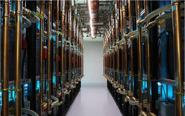 Στα άδυτα ενός «ορυχείου» bitcoin